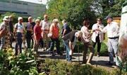 Die pflanzliche Artenvielfalt beeindruckte die Seniorenschar. (Bild: PD)