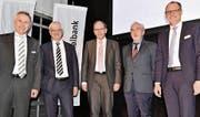 Sie haben gut lachen im Hinblick auf die guten wirtschaftlichen Prognosen: Karl Pareth, Peter Eisenhut, Bruno Damann, Ludwig Hasler und Moderator Albert Koller (von links). (Bild: Heidy Beyeler)