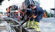 Überraschungen im Untergrund: Der Bau von Werkleitungen und Glasfasern ist offenbar nicht immer leicht zu budgetieren. (Bild: Urs Bucher)