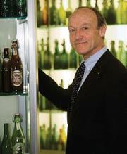 Christoph Kurer im Bierflaschenmuseum der Brauerei Schützengarten. (Bild: Ralph Ribi)