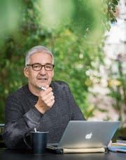 Der Schriftsteller Daniel Badraun hat einen Thurgauer Olma-Krimi geschrieben. (Bild: Reto Martin)