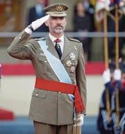 Spaniens König Felipe während der Flaggen-Zeremonie zum spanischen Nationalfeiertag. (Bild: Juanino Martin /EPA (12. Oktober 2016))