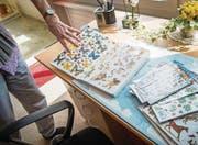 Das Zimmer einer 42jährigen Frau mit Down-Syndrom, die im Appenzeller Hinterland mit ihrer Mutter zusammen wohnt. (Bild: Ralph Ribi)