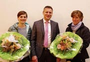 Claudia Koch-Frehner (neu), Roland Koch (Schulpräsident), Silvia Signer-Eugster. (Bild: Martin Rusch)