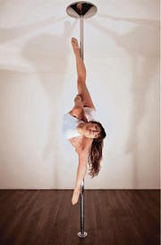 Manuela Carneiro, Vizeeuropameisterin im Pole Dance, wird am Samstag in Sirnach an der Stange tanzen. (Bild: pd)