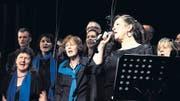 Kathy Kelly von der Kelly Family beim Auftritt mit dem Gospelchor. (Bild: Katrin Ilg)