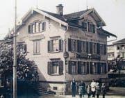 Das von Andres Stehli verfasste Buch «Gang durch Heiden um 1900» enthält auch Bilder des vor 50 Jahren verschwundenen Restaurants Adler. (Bild: PE)
