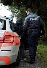 St.Galler Kantonspolizei: mehr auf Patrouille, weniger im Büro. (Bild: Gian Ehrenzeller/Keystone)