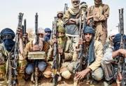 Anhänger der Nationalen Bewegung für die Befreiung des Azawad: Die sich als Vertreter der Tuareg sehende Miliz kämpft für die Unabhängigkeit des nördlichen Teils von Mali, der von 2012 bis 2013 einen De-facto-Separatstaat bildete. (Bild: Souleymane Ag Anara/AFP (Menaka, 5. Februar 2018))