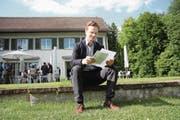 Erst 30-jährig, aber ab dem 1. August Münchwiler Schulpräsident: Lukas Weinhappl. (Bild: Simon Dudle)