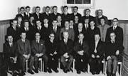 Ein Gruppenfoto des Männerchors 1969 in der Kirche mit dem damaligen Präsidenten Robert Keller (mittlere Reihe, Vierter von links). (Bild: PD)