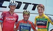Ein seltenes Gruppenbild: Die Thurgauer Radprofis Reto Hollenstein, Michael Albasini und Stefan Küng (von links) an der ersten gemeinsamen Tour de Suisse. (Bild: Urs Huwyler)