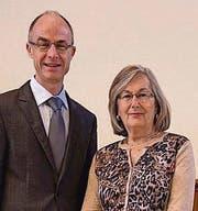 Neugewählte Mitglieder der Kirchenvorsteherschaft: Iris Perry und Gerhard Obergfell. (Bild: pd)