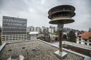Sirene auf dem Dach der KVB Kaufmännischen Berufsschule St.Gallen. (Bild: Urs Bucher)