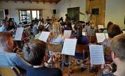 Das Orchester probt noch bis Freitag in Ladir. (Bild: zVg)