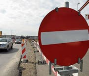 In gewissen Fällen sind auch bei Ausbauten bestehender Strassen Eigentümerbeiträge fällig. (Bild: Nana do Carmo (Frauenfeld, 8. März 2013))