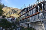 Die Bauarbeiten bei der Talstation sind noch im Gang. (Bild: Heini Schwendener)