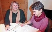«Geht nicht, gibt es bei ihr nicht!», sagt Nicole Singer, Präsidentin des Entlastungsdienstes Appenzellerland, über Vermittlerin Rita Harzenmoser aus Teufen (links im Bild). (Bild: PD)