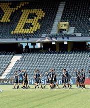 Die Young Boys bereiten sich im Stade de Suisse auf das Heimspiel gegen den ZSKA Moskau vor. (Bild: Urs Lindt/Freshfocus)