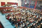 360 Stimmbürger fanden sich am Montag für die Gemeindeversammlung in der Goldacher Wartegghalle ein. (Bild: Arcangelo Balsamo)