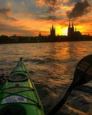 Vom frühen Morgen bis zum späten Abend paddelte Ruedi Gamper auf dem Rhein und erlebte dabei schönste Sonnenuntergänge. (Bild: zVg)