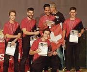 Haben es weit gebracht: Robin Tanner, Stefano Tassone, Uriel Guzmann, Florian Willi und Luca Tassone (kniend). (Bild: PD)