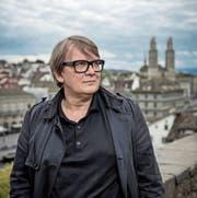 Sven Regener, der Himmel über Zürich und das Grossmünster. (Bild: Pius Amrein (Zürich, 9. Oktober 2017))
