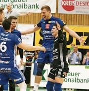 Jubel und Erleichterung bei Amriswil. Der Einzug in den Final ist bereits nach zwei Spielen gelungen. (Bild: Mario Gaccioli)