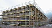 Der Neubau des landwirtschaftlichen Zentrums Salez soll noch vor den Sommerferien fertiggestellt sein. (Bild: Katharina Rutz)
