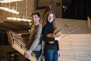 Roland und Clarigna Küng sind zwei von fünf Musikern, die ab heute Abend zu «Schlafes Bruder» spezielle Klänge beisteuern. (Bild: Ralph Ribi)