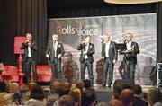 Die Mitglieder von Rolls Voice sorgen auf der Bühne im Traubensaal für abwechslungsreiche Unterhaltung. (Bild: Lukas Hutter)