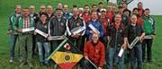 Die Ausstich-Teilnehmer mit Festsieger Alfred Keller (vorne Mitte). (Bild: PD)