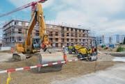 Die Gebäude der vierten Bauetappe des neuen Quartiers auf der unteren Klosterwiese in Wil sind am Entstehen. (Bild: Philipp Haag)
