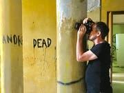 Der gebürtige Herisauer Sacha Rüede fotografiert seit 17 Jahren in Geisterhäusern. (Bild: Patrik Kobler)
