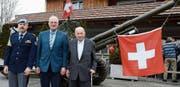 Präsident Peter Senti (Mitte) empfing an der Tagung Brigadier Beat Eberle und Ehrenpräsident Alwin Keller. (Bild: Hansruedi Rohrer)