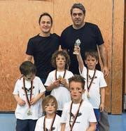 Die grossen Turniersieger der Kategorie Kindergarten: Das Team «Die fliegenden Adler». (Bild: pd)
