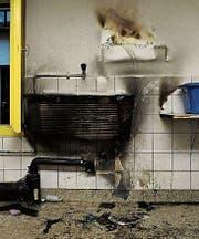 Grosser Schaden: Wäsche in Korb war in Brand geraten. (Bild: Kapo)