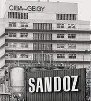 1986 in Basel: Ciba-Geigy und Sandoz auf einen Blick. (Bild: ky/dpa)