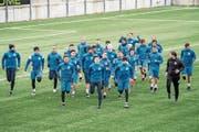 Beim gestrigen Trainingsauftakt des FC Wil waren 26 Feldspieler und zwei Goalies dabei. Der Kader soll sich verkleinern. (Bild: Urs Bucher)
