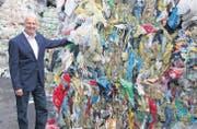 Martin Models Innoplastics macht aus altem Plastik neuen Kunststoff. Auch dünne und verschmutzte Folien sind für ihn Rohstoffe. (Bild: Christof Lampart)