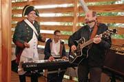 Markus Thalmann als Napoleon und die musikalischen Gemeindepräsidenten René Walther und Martin Stuber. (Bild: pd)
