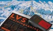 Auf der Sellamatt in Alt St. Johann entsteht die LVS-Trainingsanlage Toggenburg. Auf ihr kann jedermann mit einer Grundausrüstung – LVS, Sondierstangen und Schaufel - üben. (Bild: Christiana Sutter)