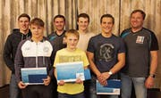 Dominik Laritz, Janis Steiger, Flavio Freuler (vorne von links), Andreas Vetsch, Mike Rüegg, Nicolas Steiger, Daniel Steiger (hinten von links). (Bild: PD)
