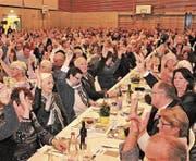 Die rund 600 Mitglieder genehmigten die Anträge des Verwaltungsrats einstimmig. (Bild: Ernst Inauen)