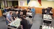 «Learning by doing» ist das Motto im Training des Tischfussballvereins Gams. (Bilder: Corinne Hanselmann)