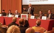 Stadtpräsident, Schulpräsident und Stadträte an der Rorschacher Bürgerversammlung. (Bild: Rudolf Hirtl)