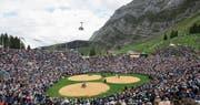 Die gestiegene Popularität von Schwingfesten wie demjenigen auf der Schwägalp hat für den traditionalistischen Sport auch negative Seiten. (Bild: Gian Ehrenzeller/Keystone (Schwägalp, 20. August 2017))