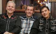 Die Musiker Roger Zirn, Bruno Leutwyler und Heinz Tobler sind sich einig: Rockabilly macht glücklich. (Bilder: Chris Marty/frauenfeld-events.ch)