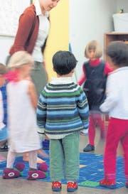 Spielerisch sollen die St. Galler Kindergärtner ans Hochdeutsche herangeführt werden. (Bild: ky/Gaëtan Bally)