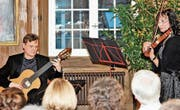 Das Duo Nordic mit Ólavur Jakobsen (Gitarre) und Monika Stauss Joensen (Violine). (Bild: Dieter Ritter)